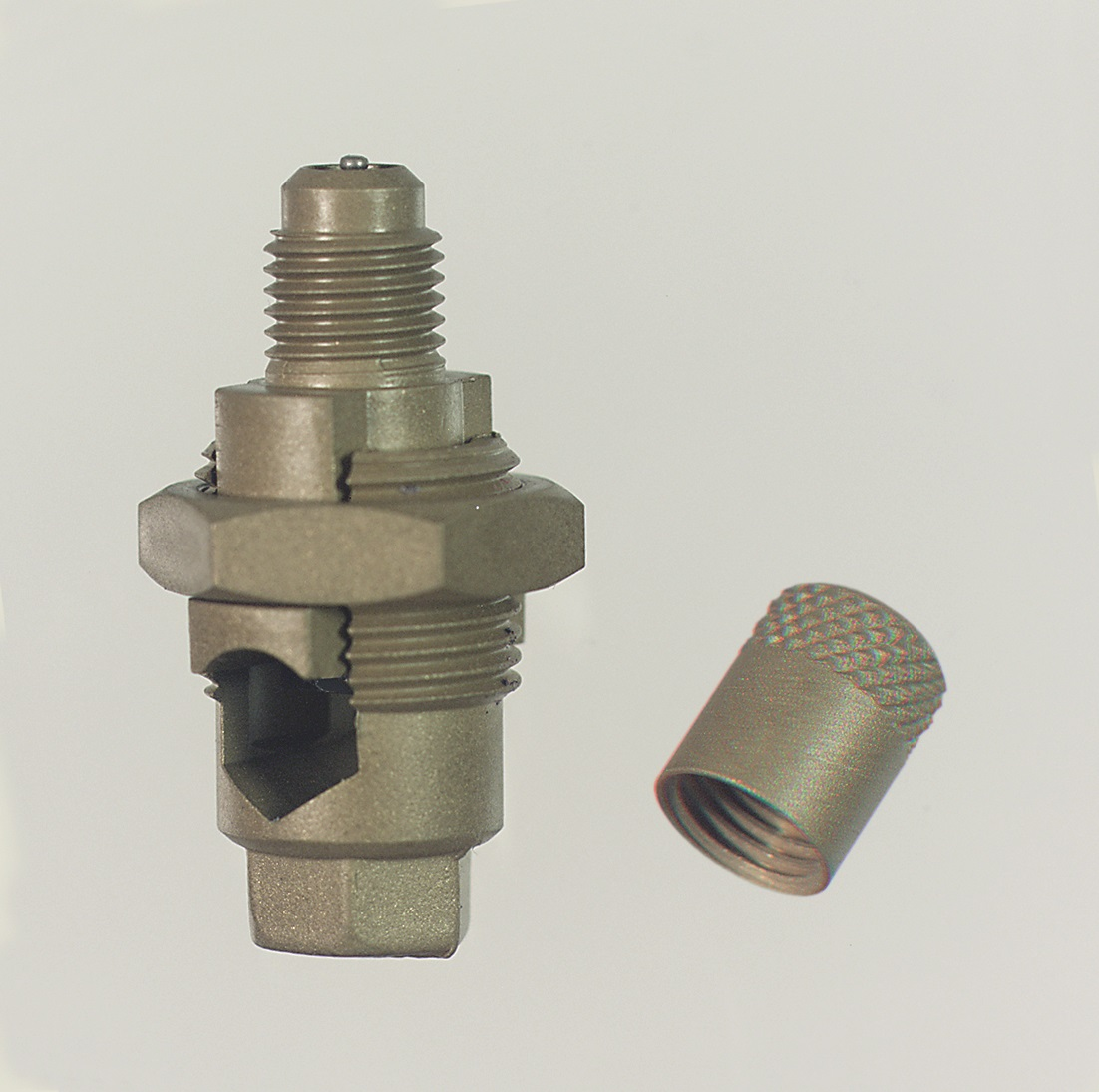 Access service valves, couplers, adapters, fittings – Revers
